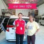 Foto Penyerahan Unit 1 Sales Marketing Mobil Dealer Toyota Magetan Sugeng