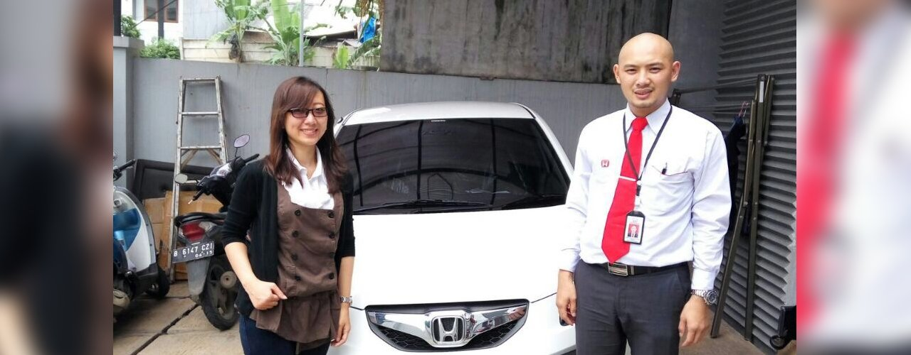 Foto Penyerahan Unit Sales Marketing Honda Tangerang Nashrul