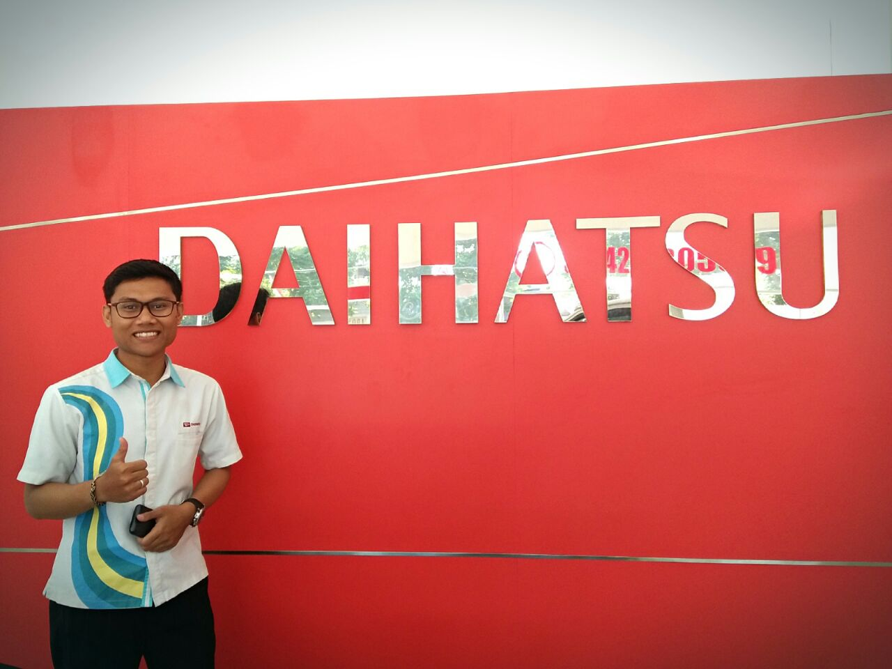 Sales Marketing Mobil Daihatsu Yogi