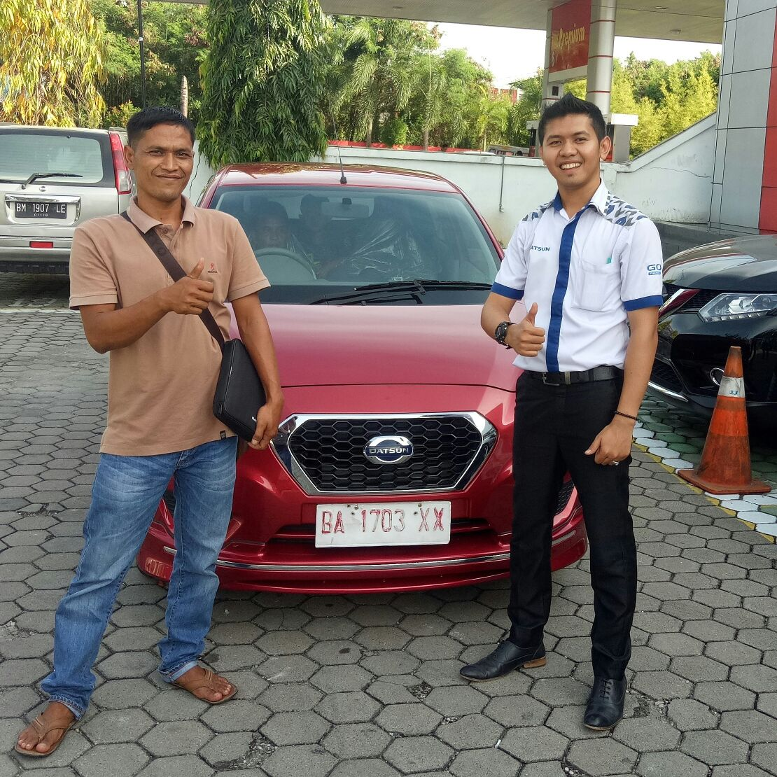 Sales Marketing Mobil Dealer Datsun Padang Edo