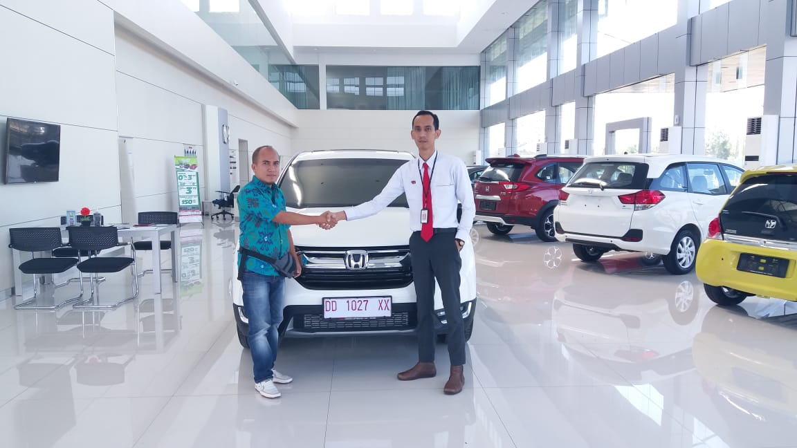 Sales Marketing Mobil Dealer Honda Hasan