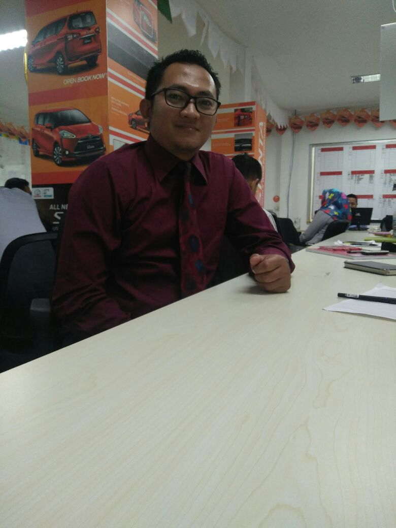 Sales Marketing Mobil Dealer Honda Jombang Noffi