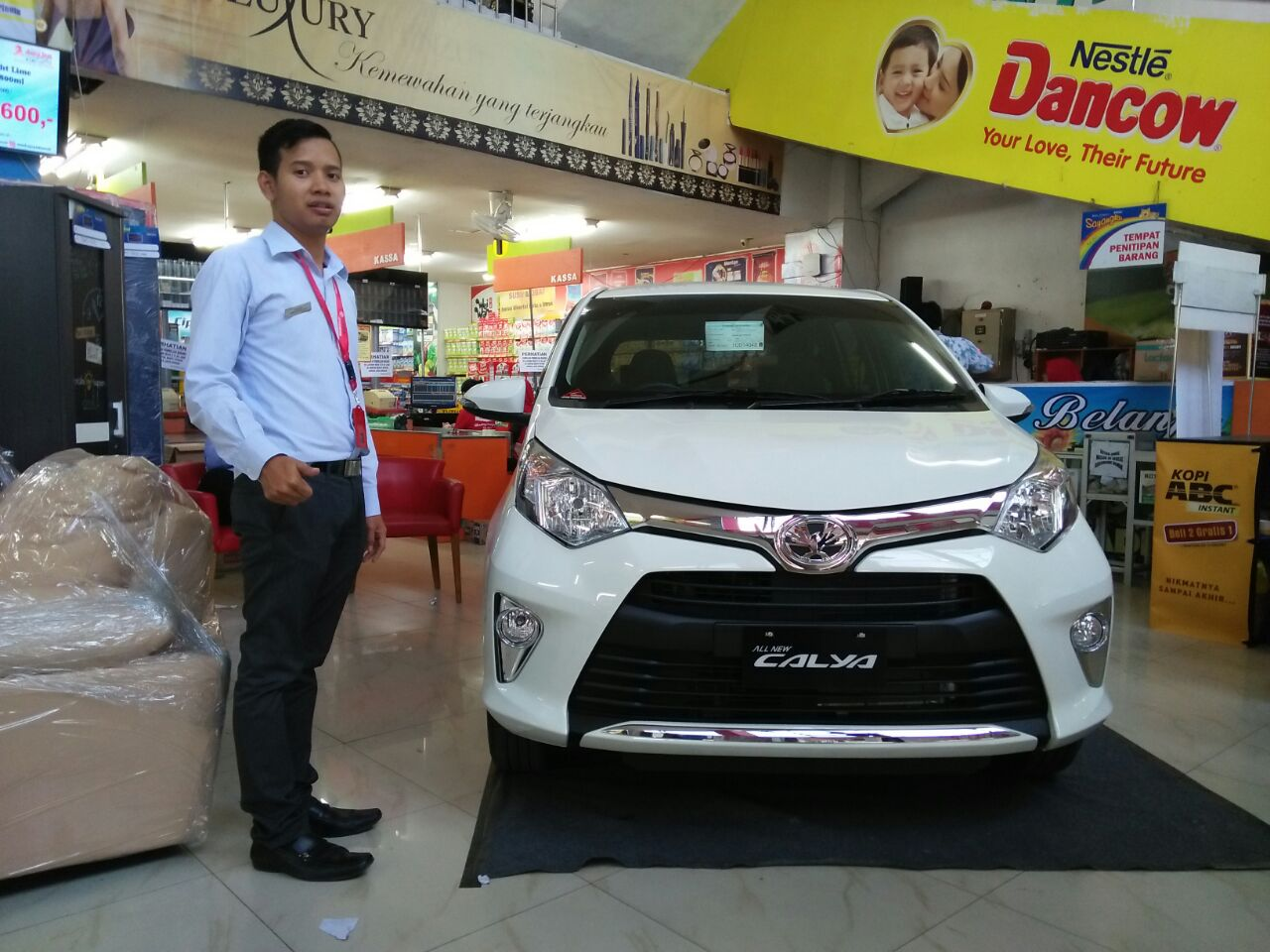 Sales Marketing Mobil Dealer Toyota Demak Yusuf