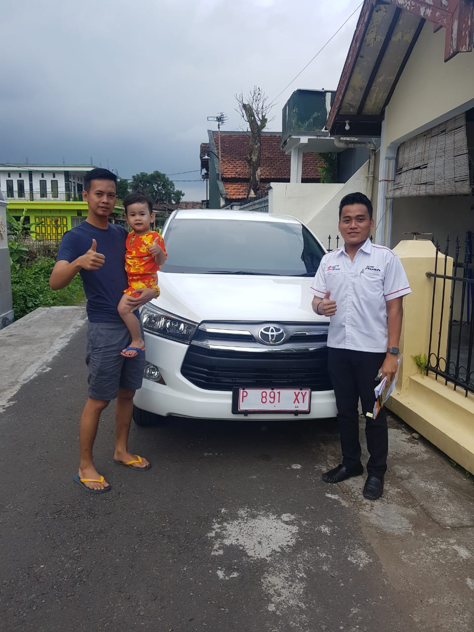 Sales Marketing Mobil Dealer Toyota Galang