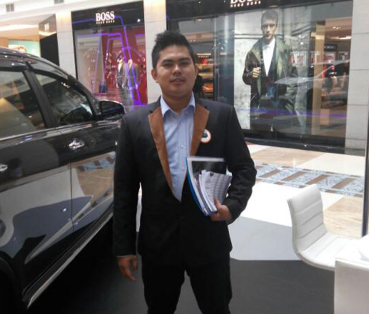 Sales Marketing Mobil Dealer Toyota Tangerang Dendi