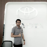 Sales Marketing Mobil Dealer Toyota Temanggung