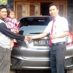 Foto Penyerahan Unit 1 Sales Marketing Mobil Dealer Honda Kediri Satria