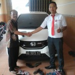 Foto Penyerahan Unit 12 Sales Marketing Mobil Dealer Honda Kediri Satria