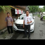 Foto Penyerahan Unit 3 Sales Marketing Mobil Dealer Honda Kediri Satria