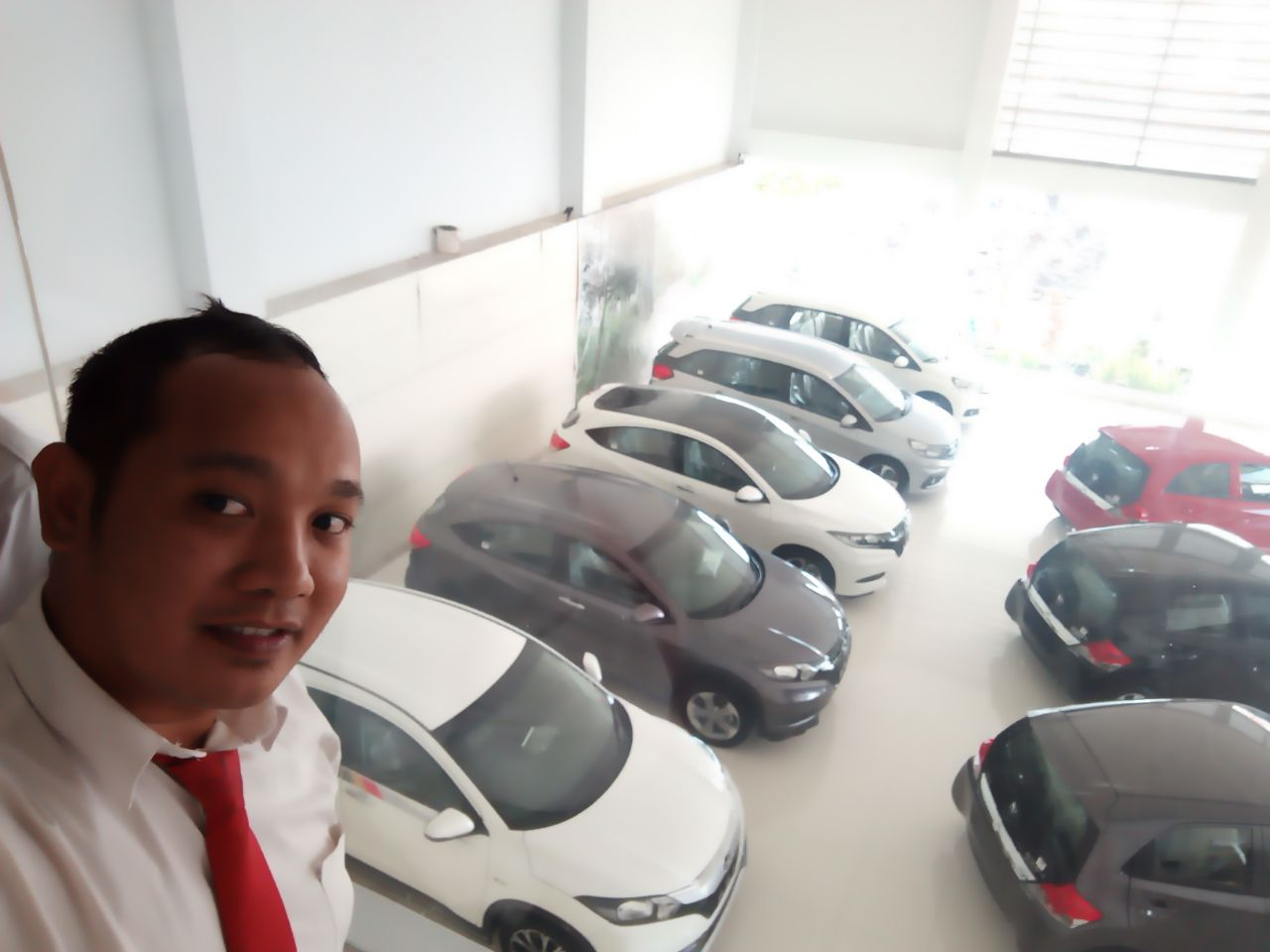 Sales Marketing Mobil Dealer Honda Ari Juli