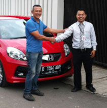 Sales Marketing Mobil Dealer Honda Garut Efnu Wibowo