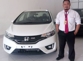 Sales Marketing Mobil Dealer Honda Lamongan Wahyu Agung