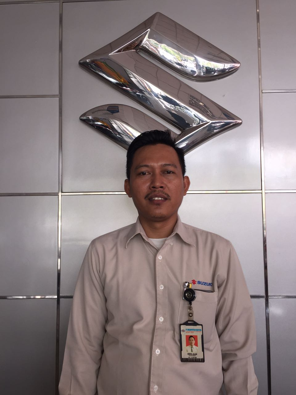 Sales Marketing Mobil Dealer Suzuki Makassar Ismul Alam