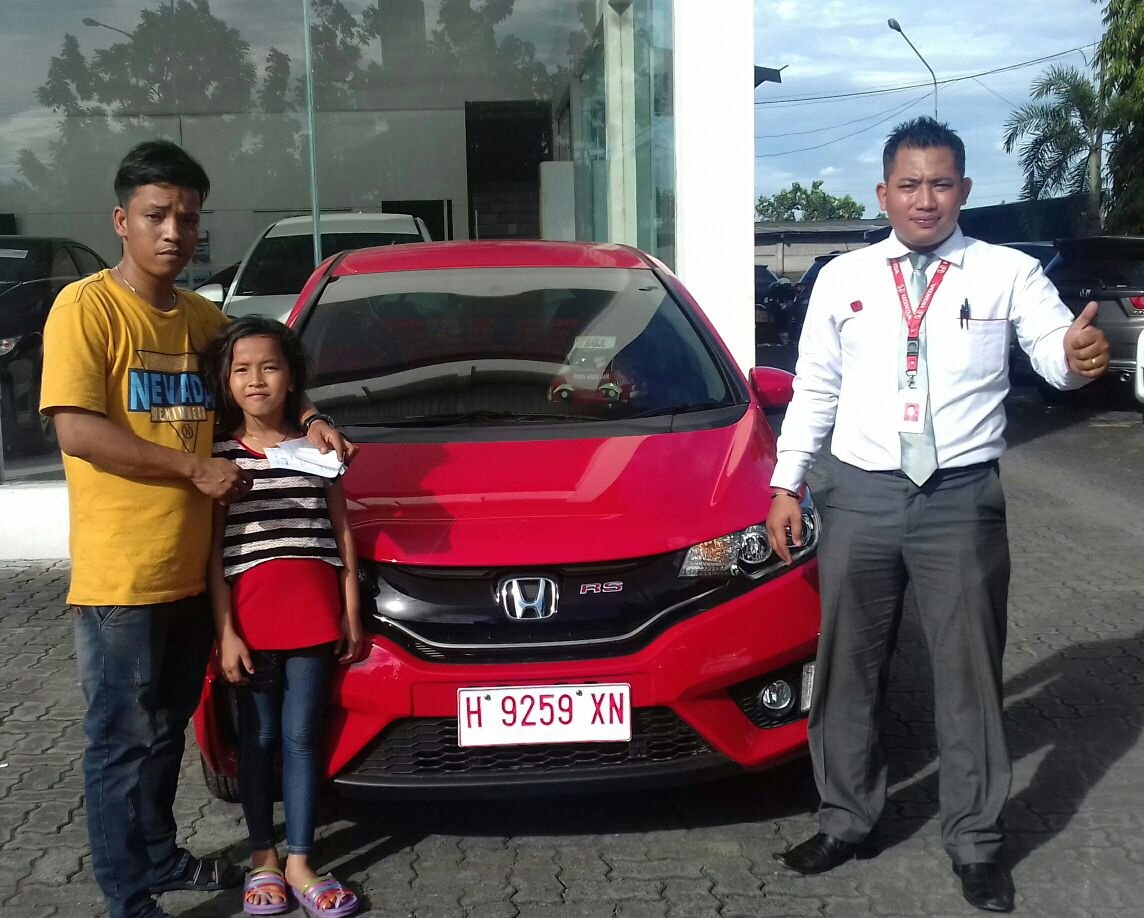 Sales Marketing Mobil Honda Demak Eri