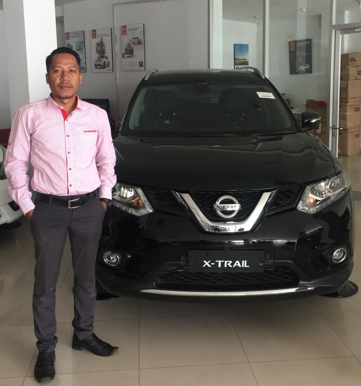 Sales Marketing Mobil Dealer Nissan Gresik Djalil