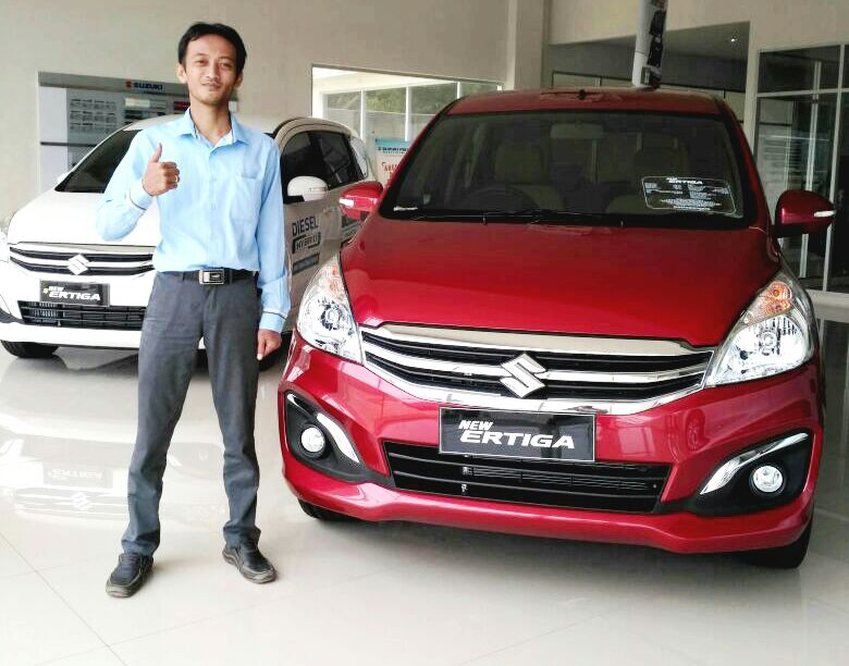 Sales Marketing Mobil Suzuki Huda