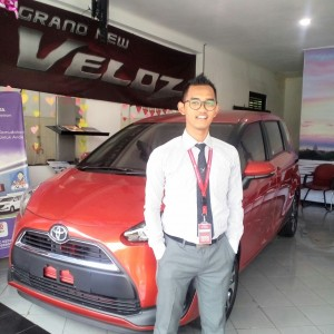 Sales Marketing Mobil Toyota Kediri Wahid