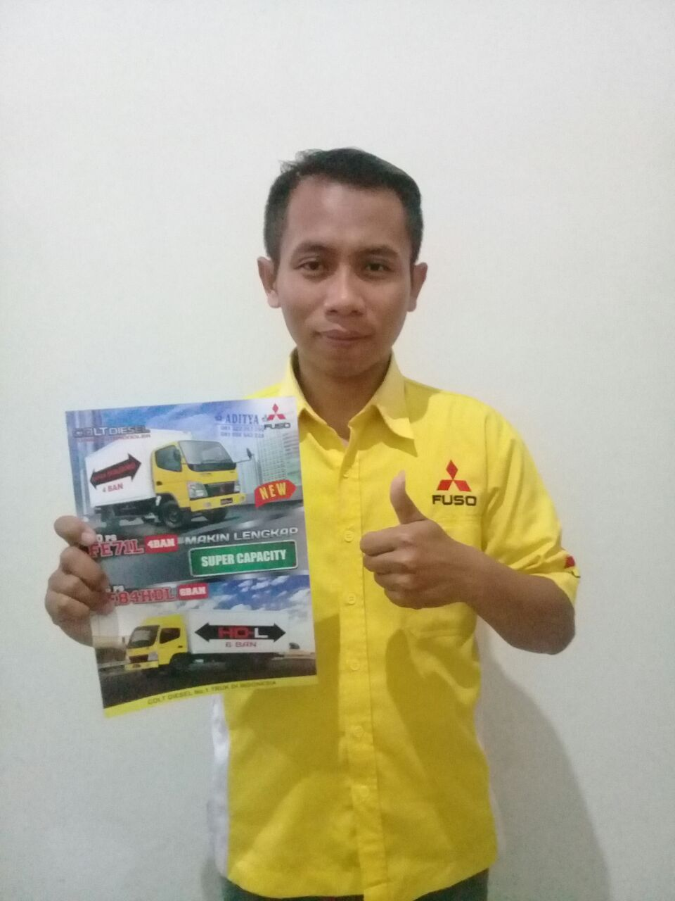 Sales Marketing Mobil Dealer Mitsubishi Adit