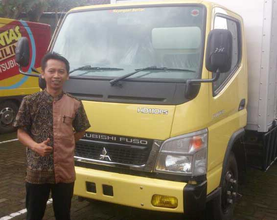 Sales Marketing Mobil Dealer Mitsubishi Jember Galih