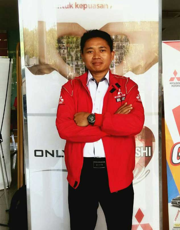 Sales Marketing Mobil Dealer Mitsubishi Sidoarjo Udy