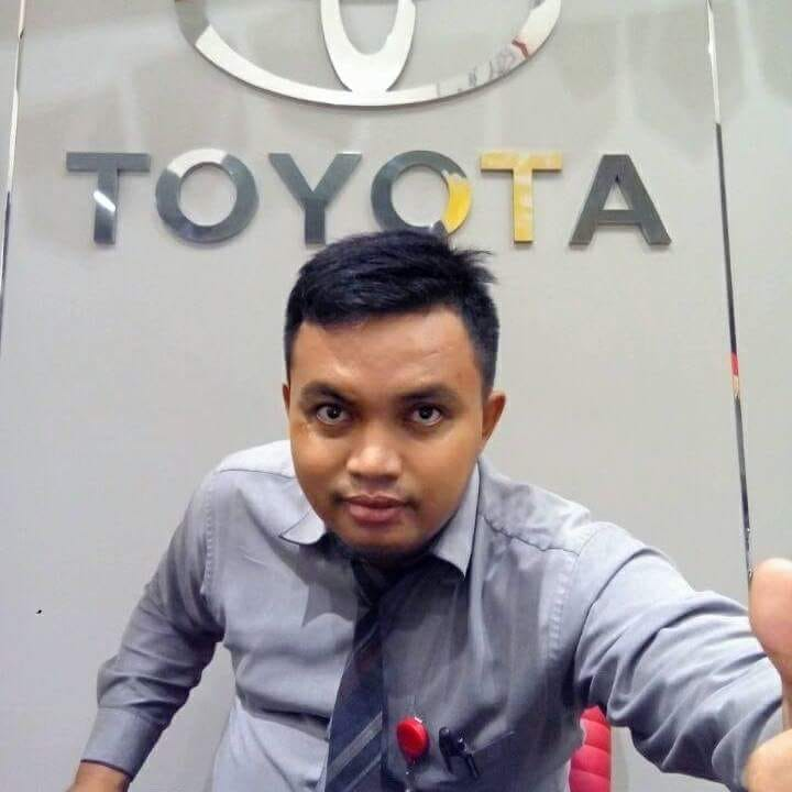 Sales Marketing Mobil Dealer Toyota Aan