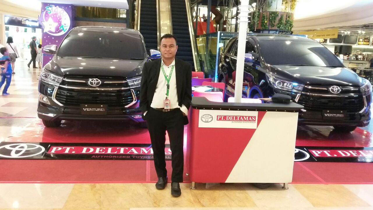 Sales Marketing Mobil Dealer Toyota Medan Zul Idham