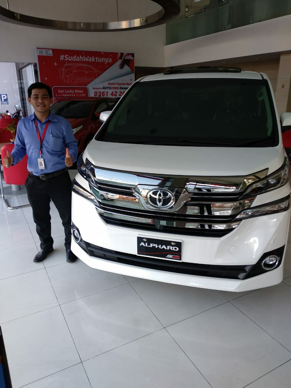 Sales Marketing Mobil Dealer Toyota Rocky