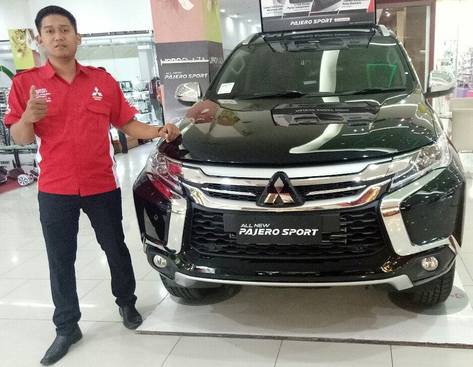 Sales Marketing Mobil Mitsubishi Malang Helmi