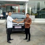 Foto-Penyerahan-Unit-1-Sales-Marketing-Mobil-Dealer-Mitsubishi-Solo-Agus