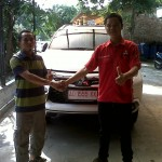 Foto-Penyerahan-Unit-3-Sales-Marketing-Mobil-Dealer-Mitsubishi-Solo-Agus
