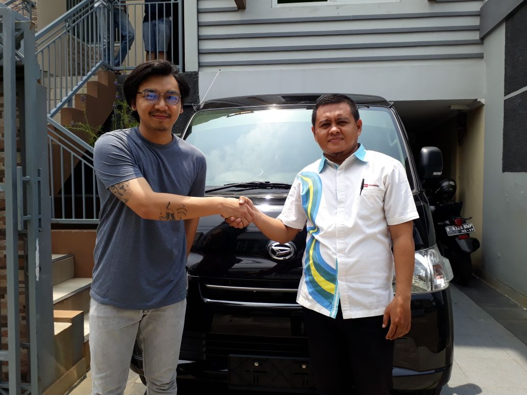 Sales Marketing Mobil Dealer Daihatsu Pramono