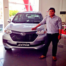 Sales Marketing Mobil Dealer Daihatsu Samboja Adi Apriadi