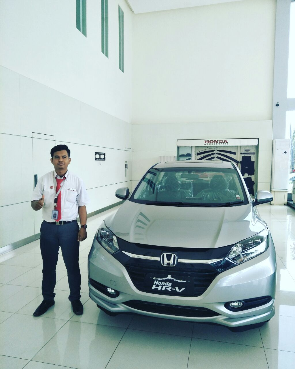 Sales Marketing Mobil Dealer Honda Cikampek Ajat