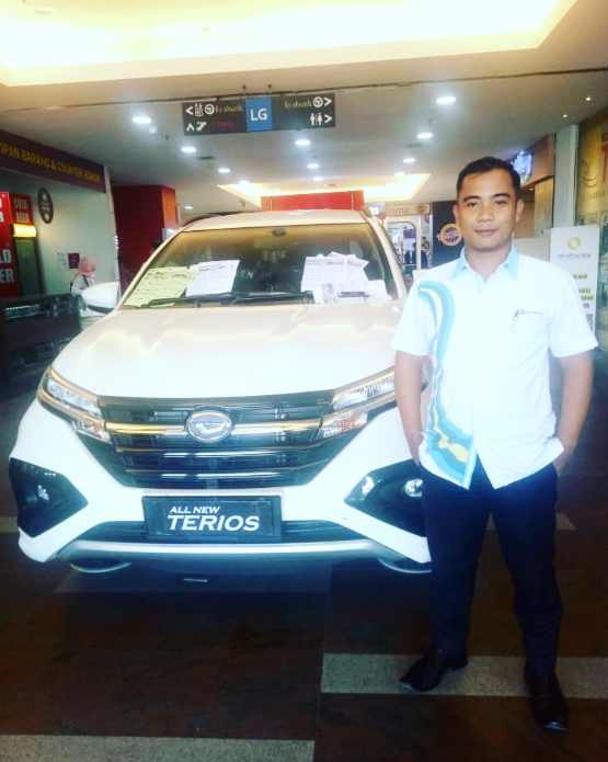 Sales Marketing Mobil Dealer Daihatsu Tony