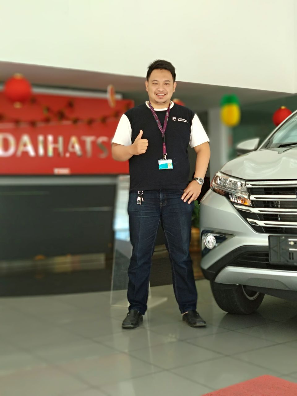 Sales Marketing Mobil Dealer Daihatsu Aries