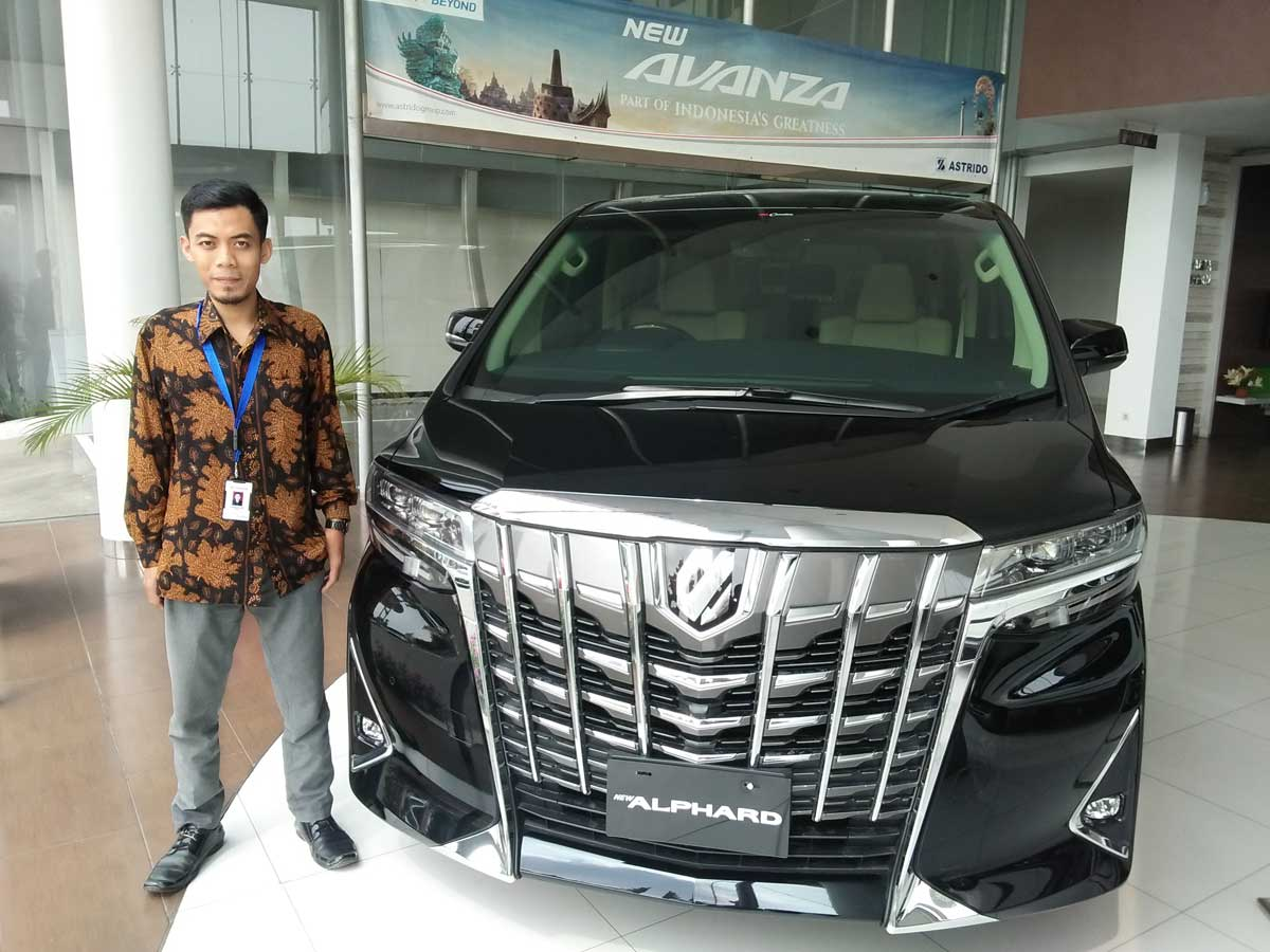 Sales Marketing Mobil Dealer Daihatsu Lukman