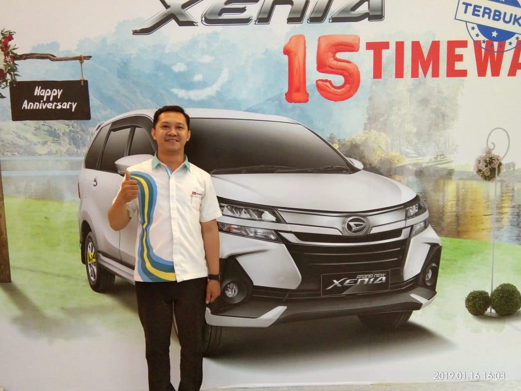 Sales Marketing Mobil Dealer Daihatsu Rachmat