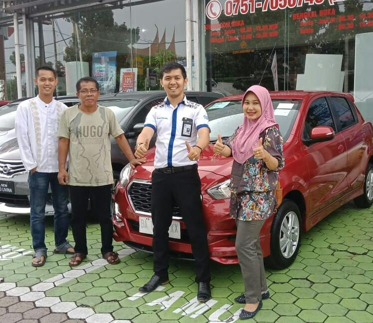 Sales Marketing Mobil Dealer Datsun Padang