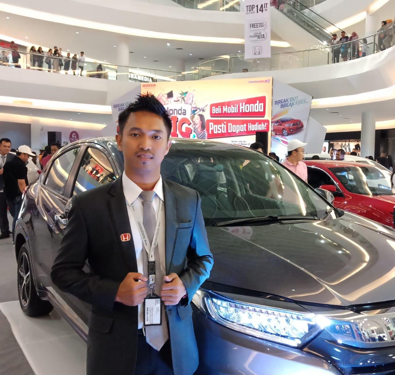 Sales Marketing Mobil Dealer Honda Andi