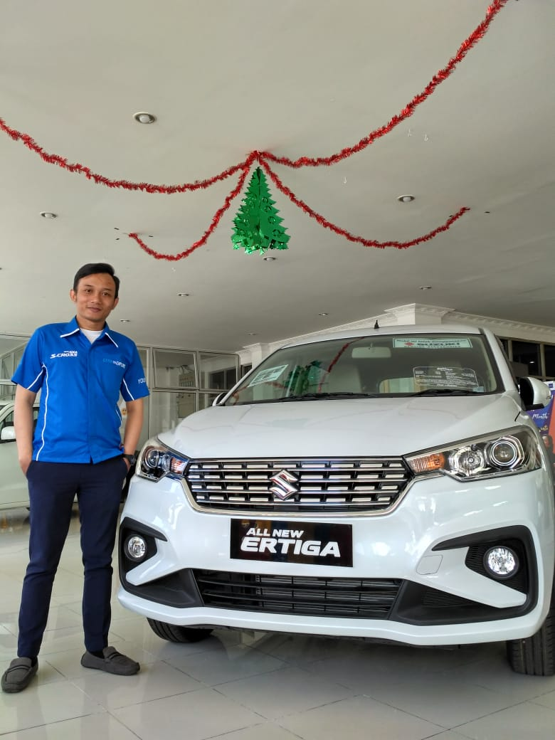 Sales Marketing Mobil Dealer Suzuki Ryan