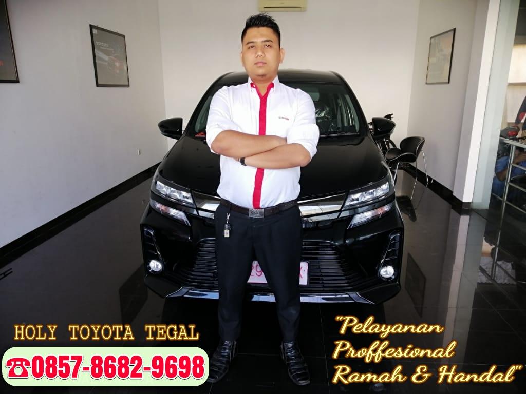 Sales Marketing Mobil Dealer Toyota Holy