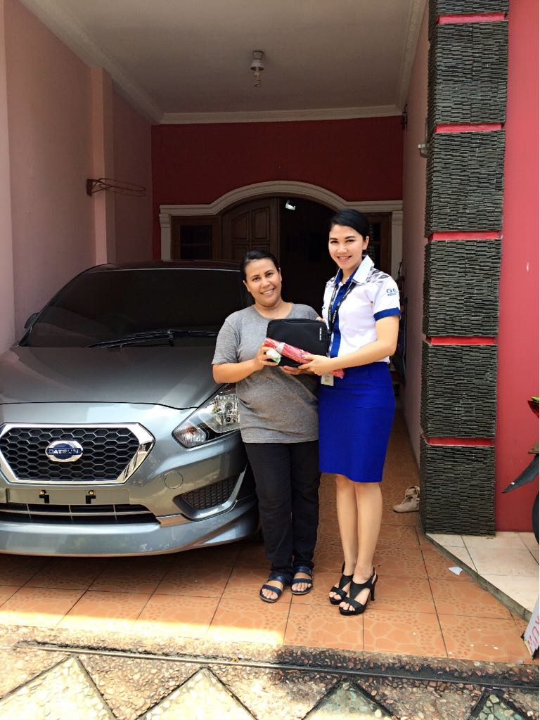 Sales Marketing Mobil Dealer Datsun Rina