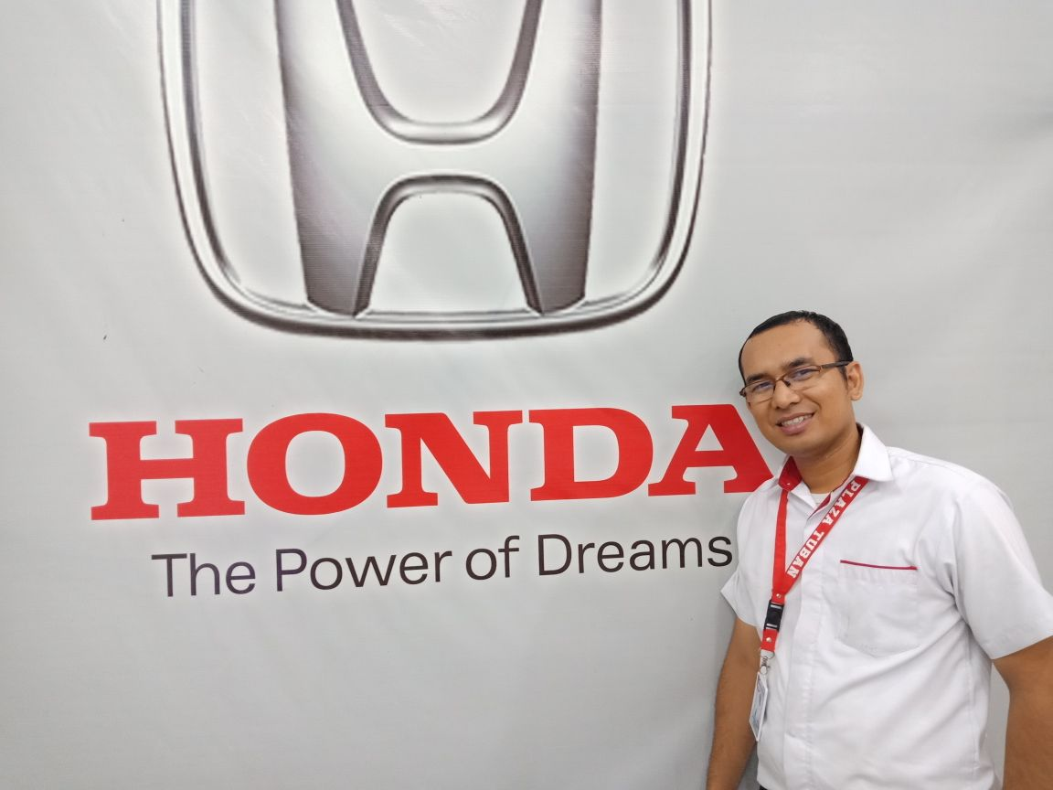 Sales Marketing Mobil Dealer Honda Adi