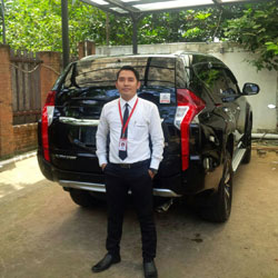 Sales Marketing Mobil Dealer Mitsubishi Muksin