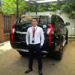 Sales Marketing Mobil Dealer Mitsubishi Muksin
