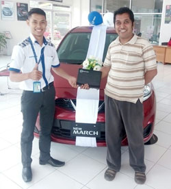 sales-marketing-mobil-dealer-nissan-jember-ragil