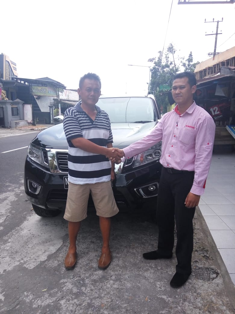 Sales Marketing Mobil Dealer Nissan Tejo