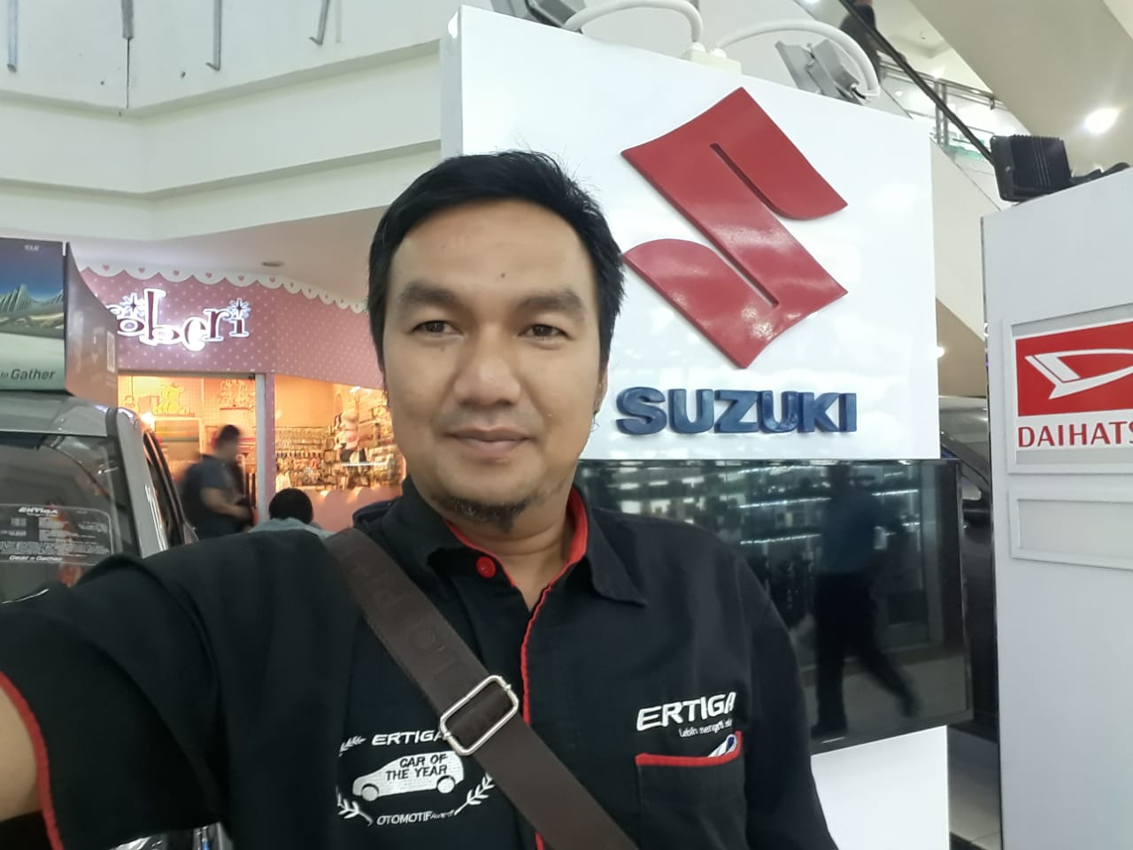 Sales Marketing Mobil Dealer Suzuki Ruly