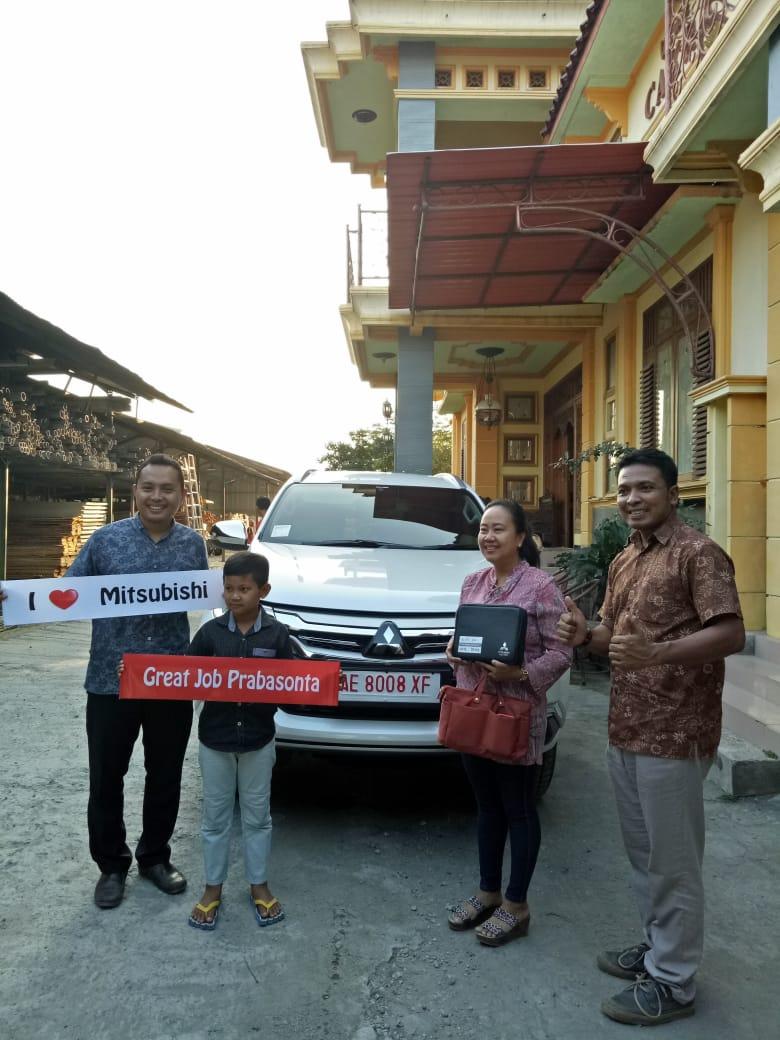 Sales Marketing Mobil Dealer Mitsubishi Udin