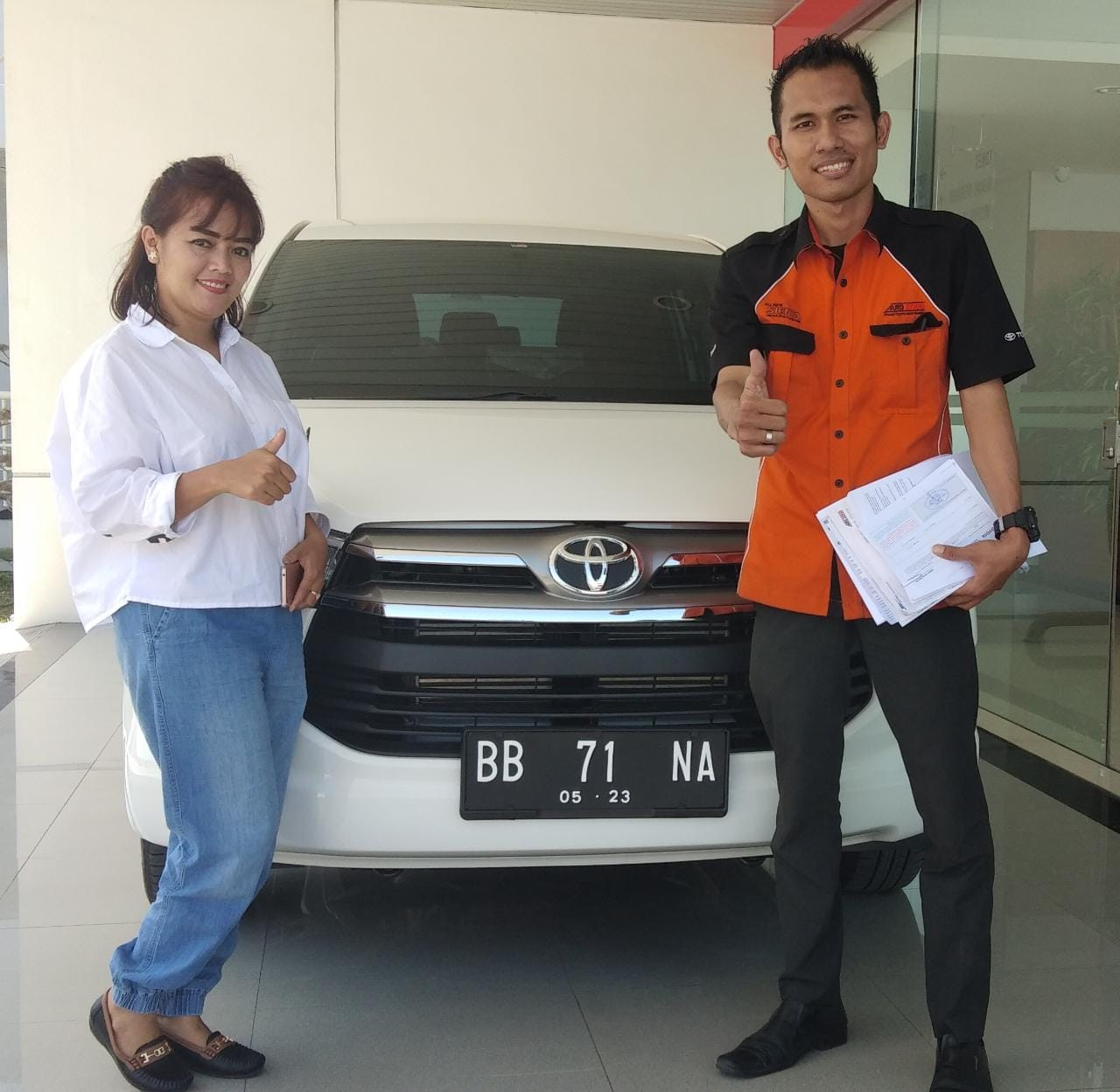 Sales Marketing Mobil Dealer Toyota Freddy